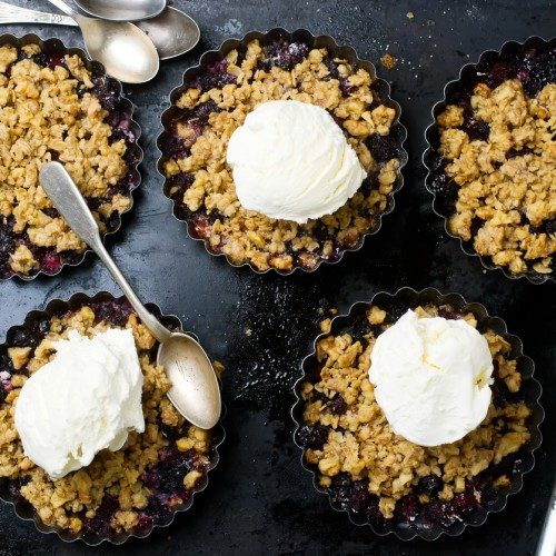 Crumble with a mulberry. style vintage